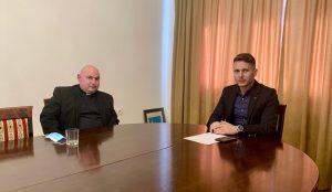 Gradska uprava ugostila novog kutjevačkog župnika Ivana Štivičića