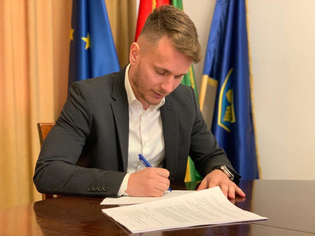Potpisivanje Ugovora o izvođenju radova na izgradnji i opremanju reciklažnog dvorišta u Kutjevu