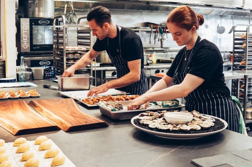 NATJEČAJ  za obavljanje poslova radnog mjesta pomoćni/a kuhar/kuharica